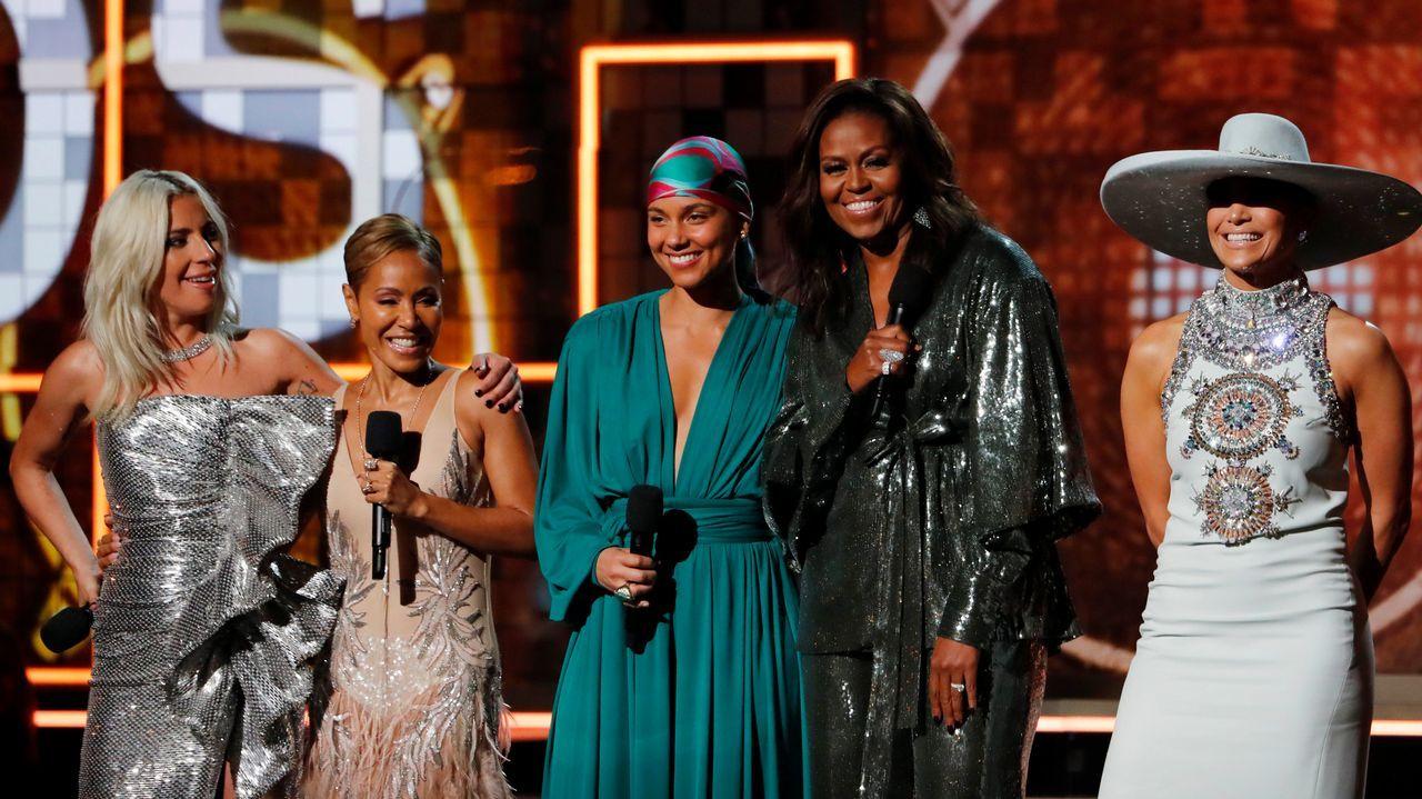 Lady Gaga, Jada Pinkett Smith, Alicia Keys, Michelle Obama y Jennifer López en los minutos iniciales de la gala