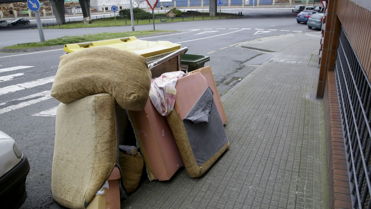 Las calles de la ciudad amanecieron el martes llenas de basura