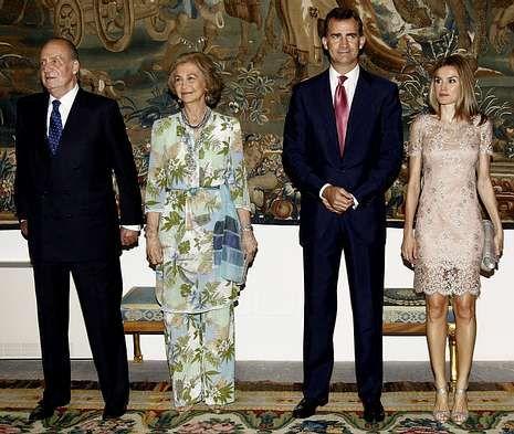 Las ausencias deslucieron la foto de familia.