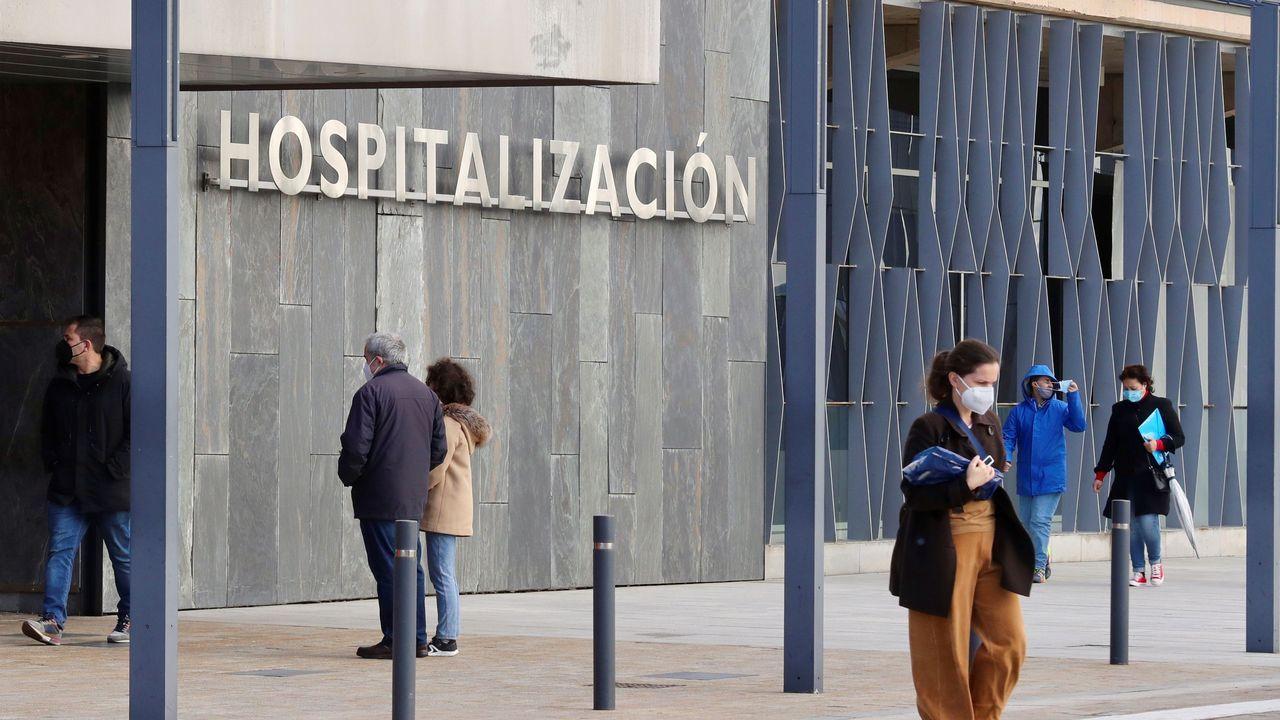 asturias vacunacion vacunas .Vista exterior de la entrada a hospitalización en el HUCA