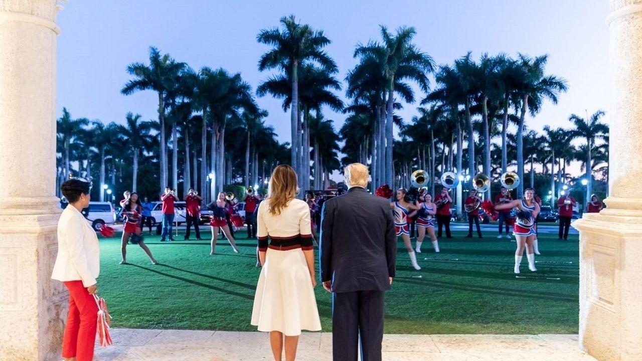 Imágenes de la pandemia en el mundo.Donald y Melania Trump, durante un acto en el Trump International Golf Club, en Palm Beach, el pasado mes de enero