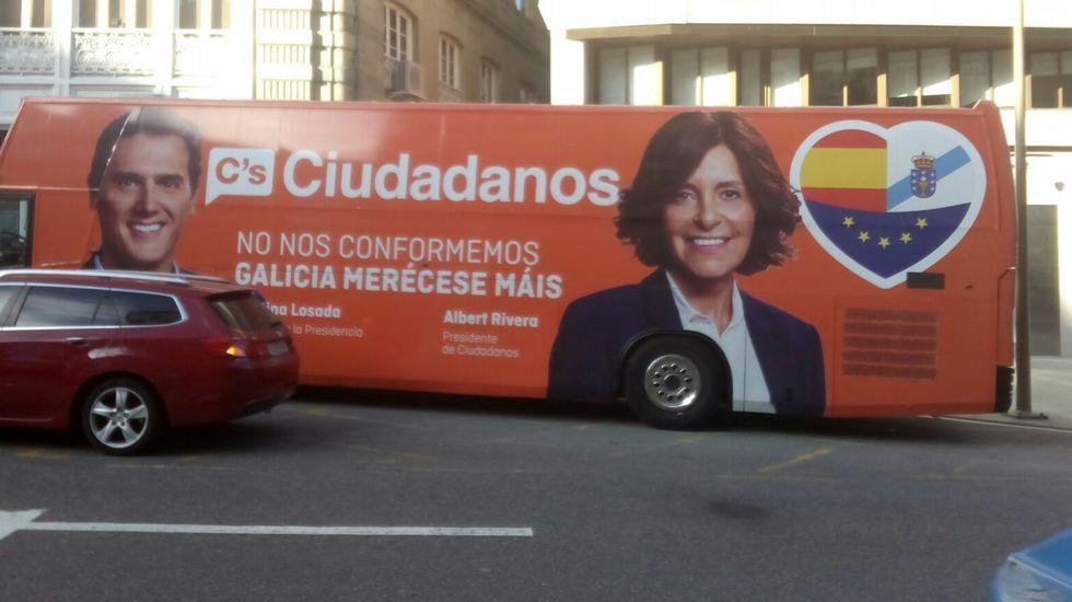 El eslogan y el autobús de Ciudadanos dan que hablar en las redes
