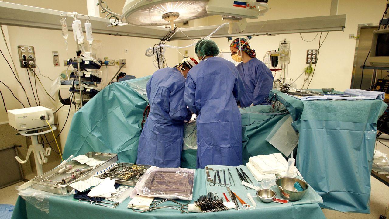 Operación de cirugía cardíaca en el un hospital en una imagen de archivo