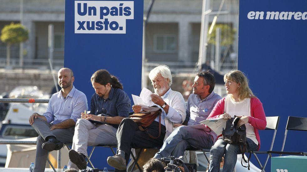 Celebración de En Marea y de Anova por el Día de Galicia.El cofundador de Podemos, Juan Carlos Monedero, y la secretaria general de Podemos Galicia, Carmen Santos