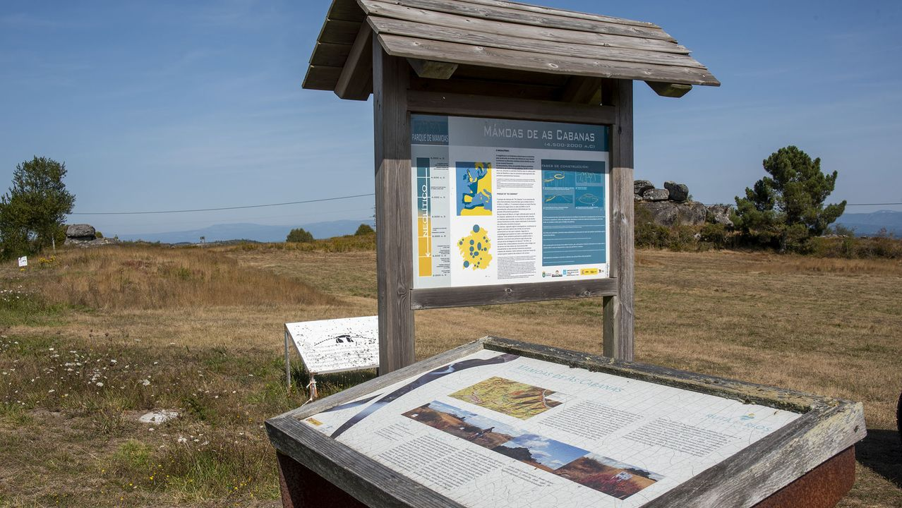 Paneles informativos en la necrópolis megalítica de As Cabanas