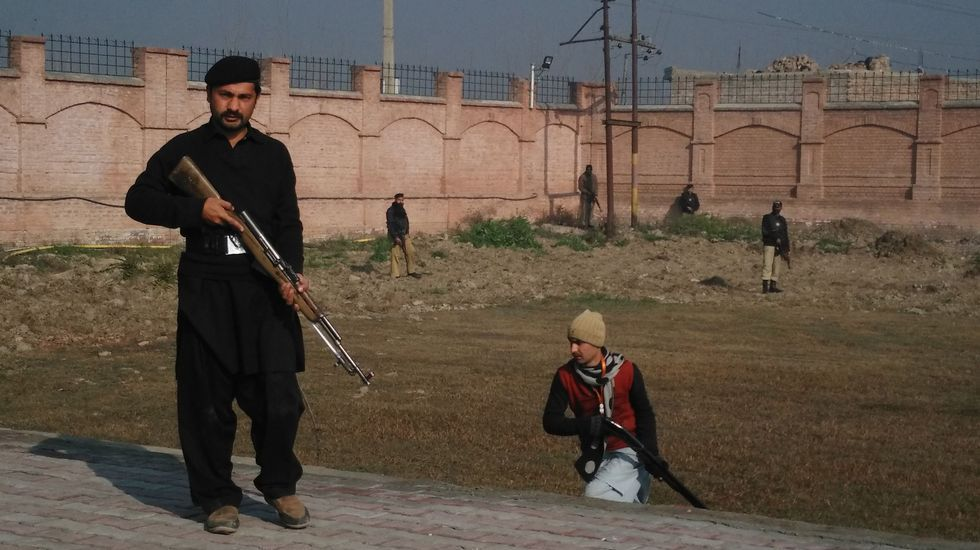 Exteriores de la universidad paquistaníe de Bacha Khan, atacada por terroristas