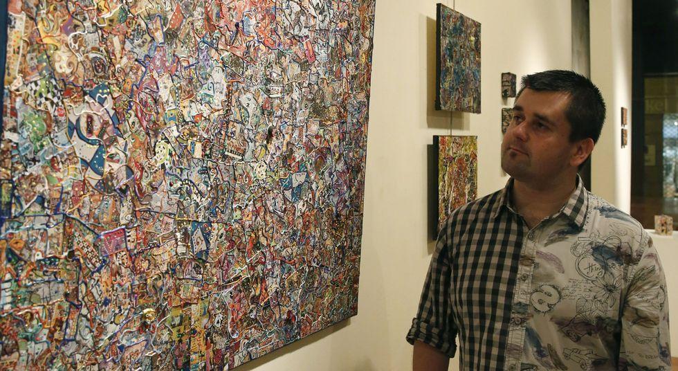 La exposición en la galería de arte Visol incluye objetos procedentes de distintas partes del mundo