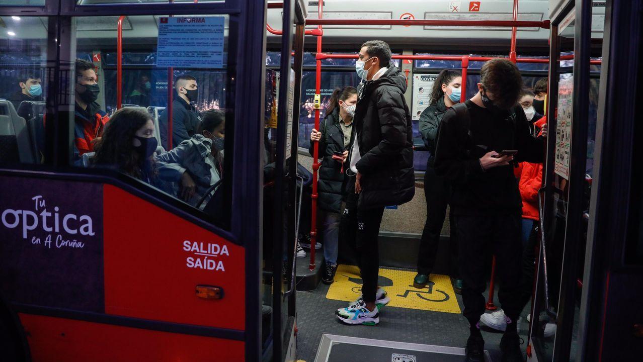 Bus urbano en A Coruña. Imagen de archivo