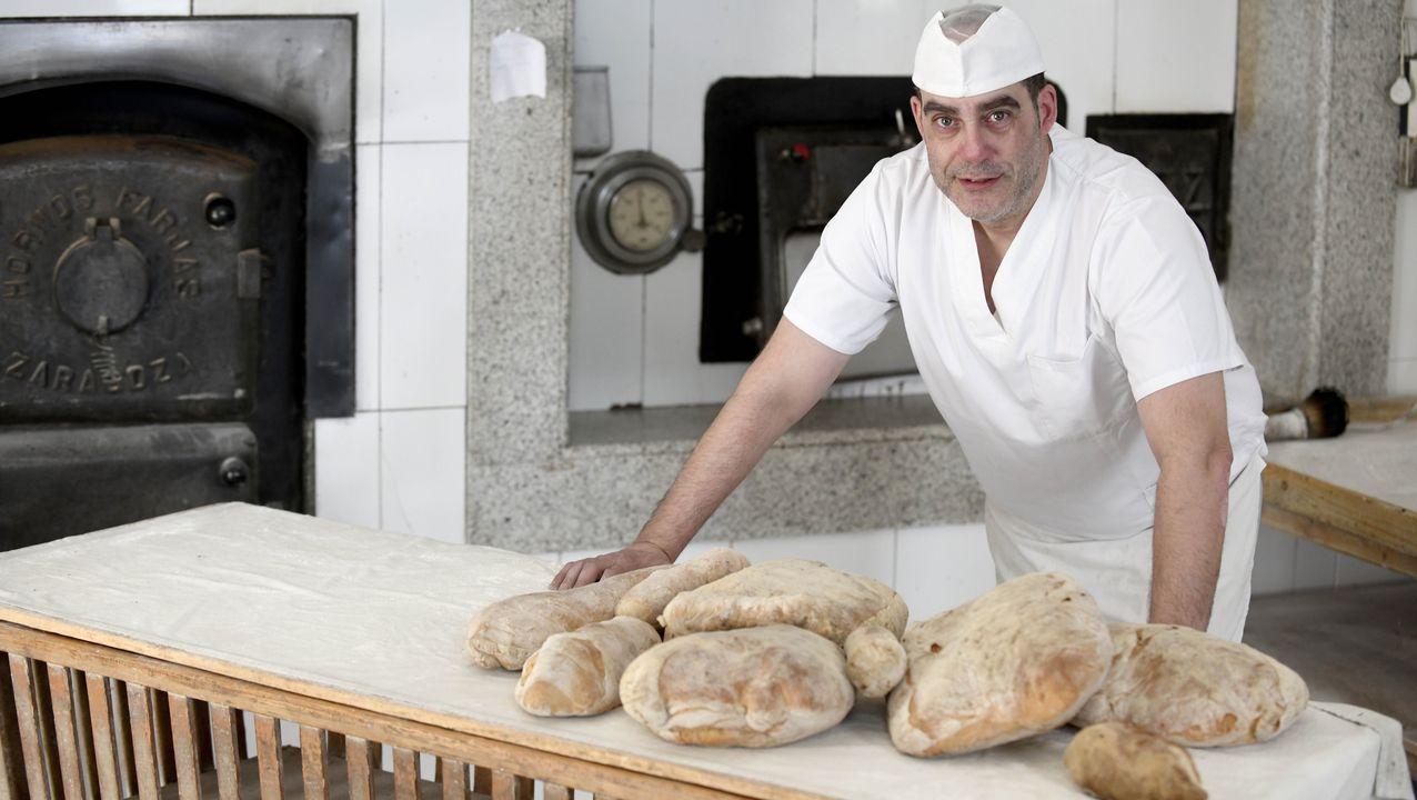 Manuel Lalín es la quinta generación de una familia de panaderos lalinense