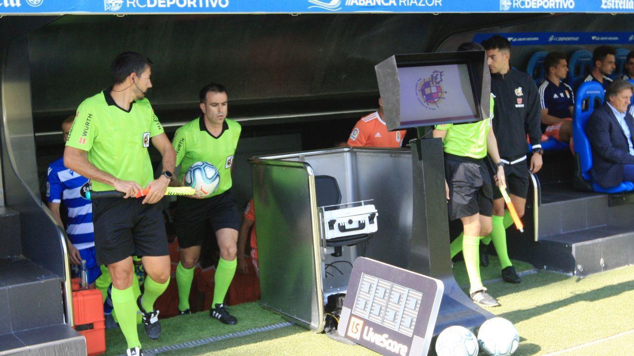 Deportivo Real Oviedo Riazor gol Obeng.Sergio Egea en el banquillo de Riazor