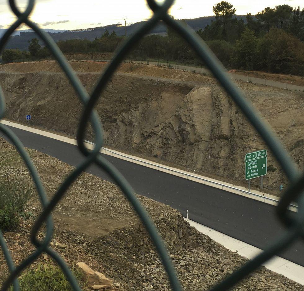 Último tramo aún sin pintar, entre Bóveda y Noceda.