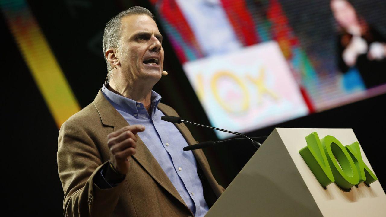 Comparecencia de Pedro Sánchez en el Congreso.Ortega Smith en el acto que Vox celebró en Vistalegre el domingo