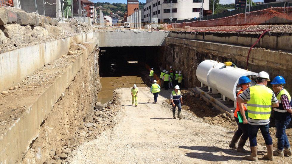 Obras de soterramiento de Feve en Langreo.Reunión entre Anibal Vázquez y Jesús Sánchez