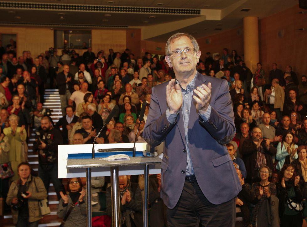 Entrevista a Xavier Vence en «Vía V».Evencio Ferrero centró su alocución en los logros de los mandatos nacionalistas.