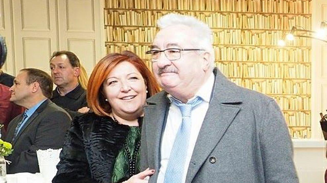 Paula Bernárdez con su marido, el fallecido David Corral, que fue premiado por el Clúster Alimentario de Galicia y del que se destacó su decidida apuesta por el medio rural gallego