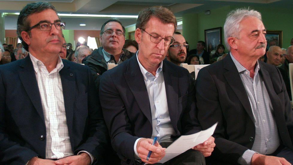Fiesta de la Guardia Civil en Monforte, Chantada, Carballedo y Quiroga.Javier Rodríguez Medela, Alberto Núñez Feijoo y Manuel Varela, en el mitin de Chantada