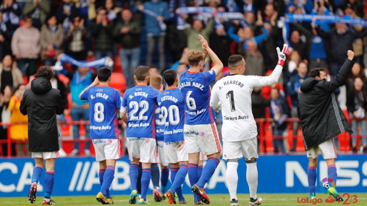 Anquela Lorca Real Oviedo Horizontal.Los jugadores del Real Oviedo celebran la victoria en Lugo