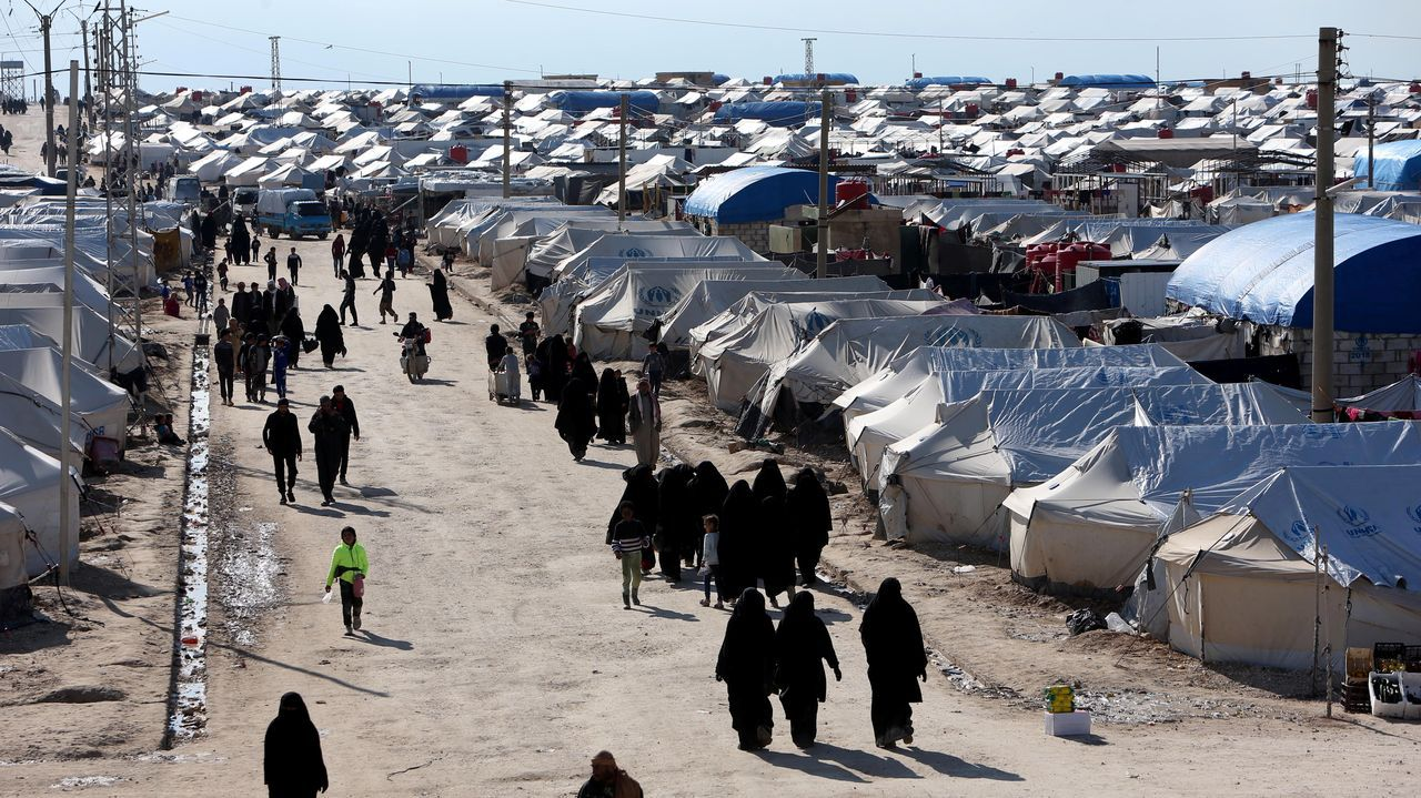 Dron velutinas .Al menos 11.000 son familiares de yihadistas permanecen en el campamento Al Hol en la provincia siria de Al Hasak