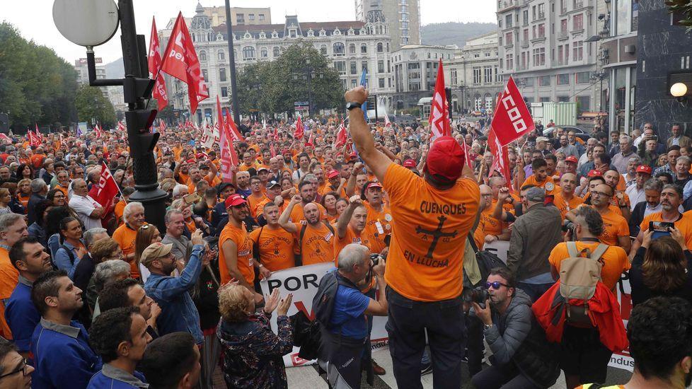 El día a día de un encierro en la Catedral.Manifestacion de trabajadores de Vesuvius