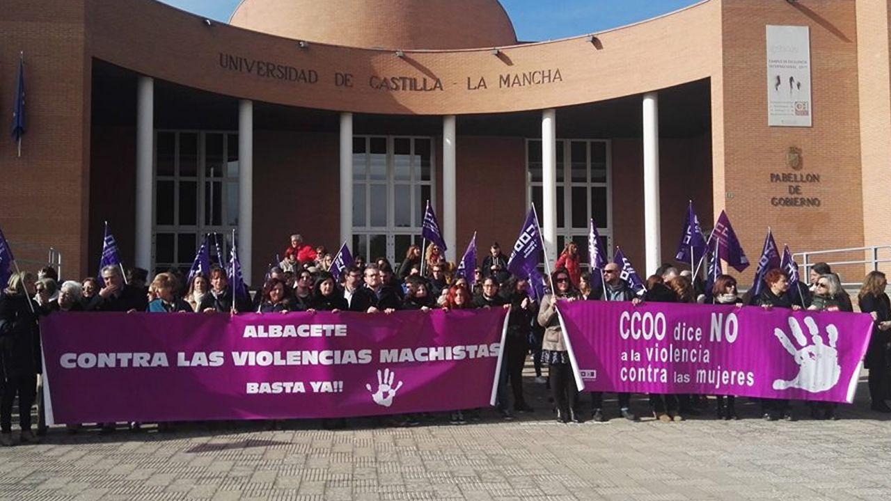 El arzobispo de Oviedo, Jesús Sanz, en Covadonga.Concentración en Albacete en repulsa de unas conversaciones de un grupo de universitarios