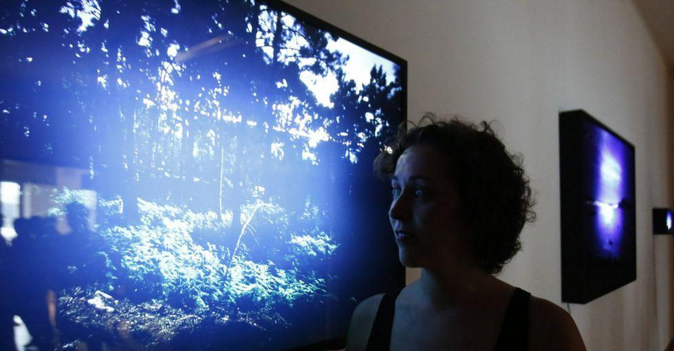 Marta Moreiras muestra las imágenes de su proyecto «Finis Terre» en el centro Simeón.