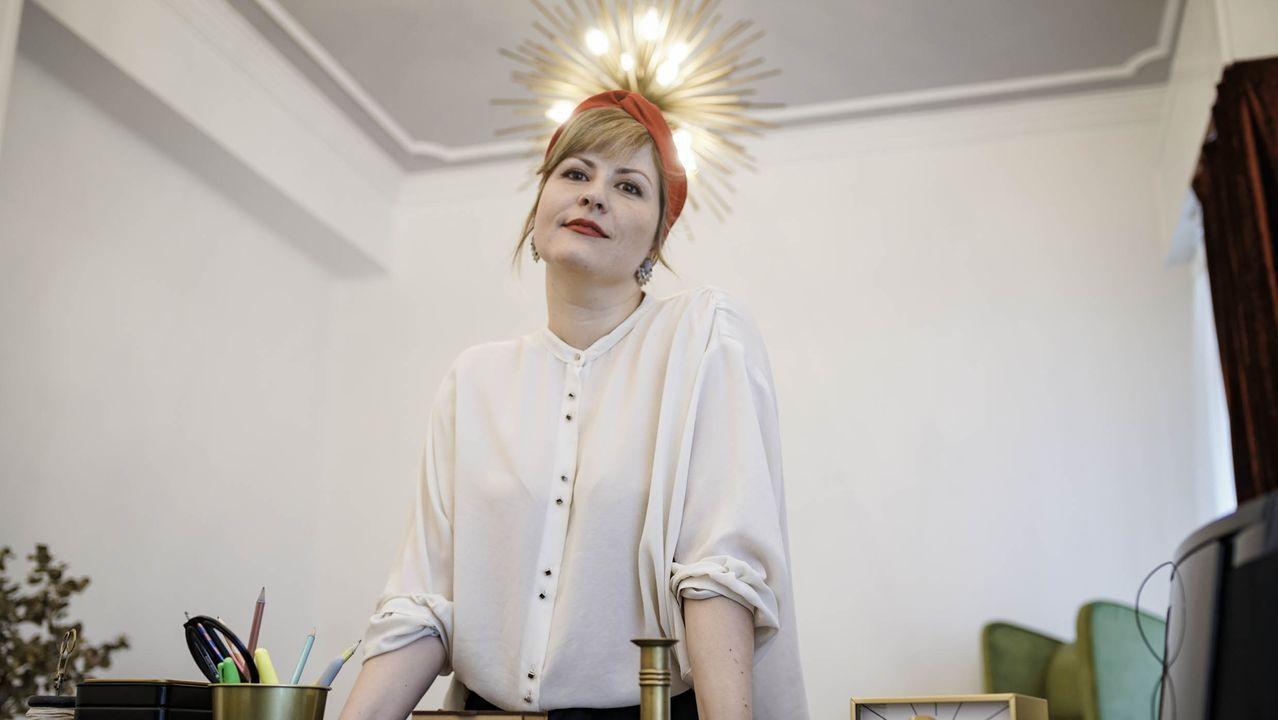 Rita Nóvoa, en una clínica de terapia que decoró en la ciudad de Ourense