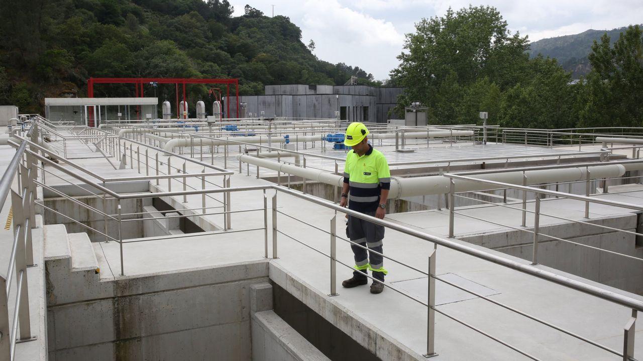 España acogerá finalmente a 60 de los 141 inmigrantes del Aquarius.Aguas residuales