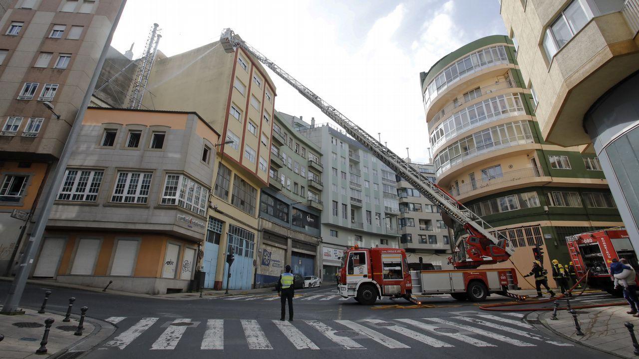 Incendio en una parrillada de Lugo.Alumnos del colegio Salesianos plantan árboles en Chandebrito