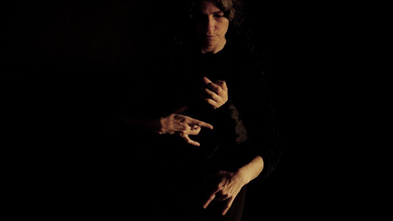 O compositor ferrolán Pablo Seoane está detrás de «Phármakon», unha peza musical e escénica escrita para dous músicos e dous actores bailaríns