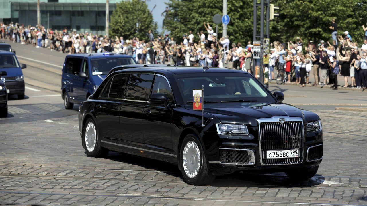 Putin estrenó en Helsinki un nuevo vehículo oficial de fabricación rusa