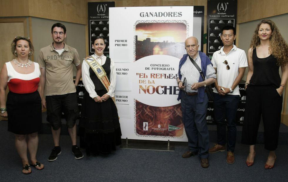En El Corte Inglés se entregaron los premios de un concurso de fotografías sobre la noche de San Juan.