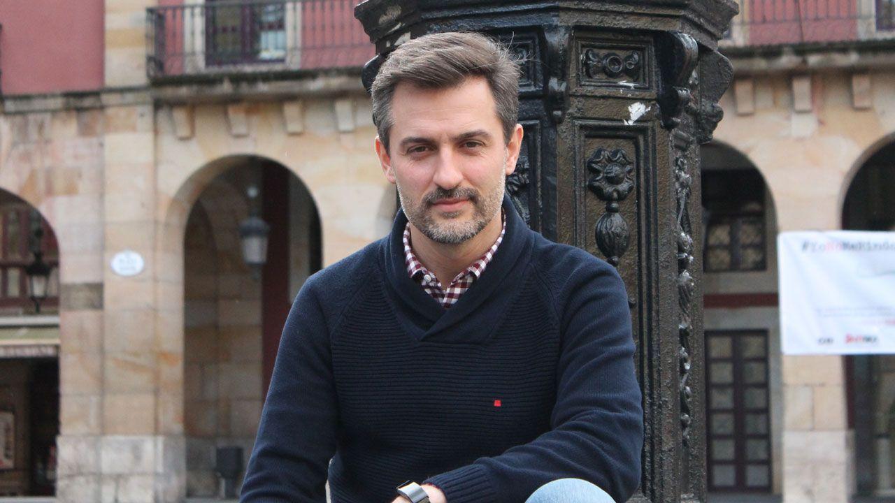 José María Pérez, en la Plaza Mayor de Gijón