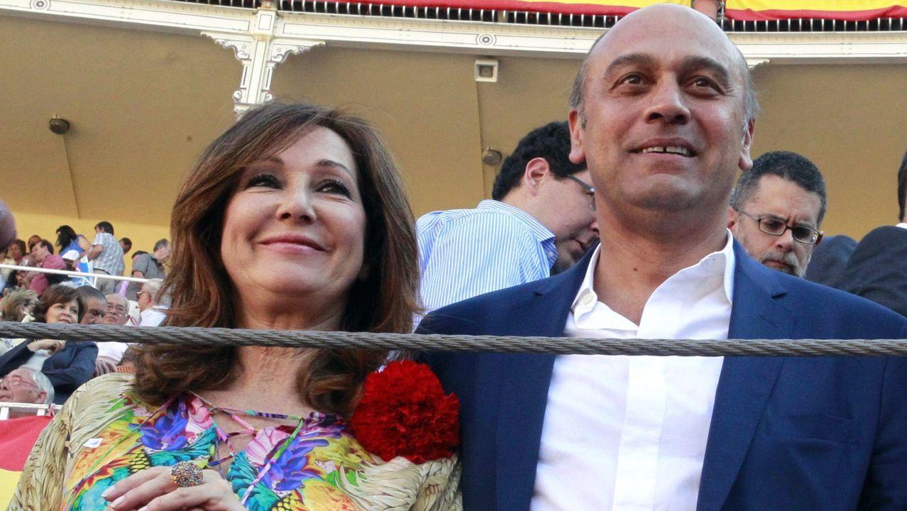Fotografía de archivo del empresario Juan Muñoz, marido de la periodista Ana Rosa Quintana, con la que aparece en la imagen