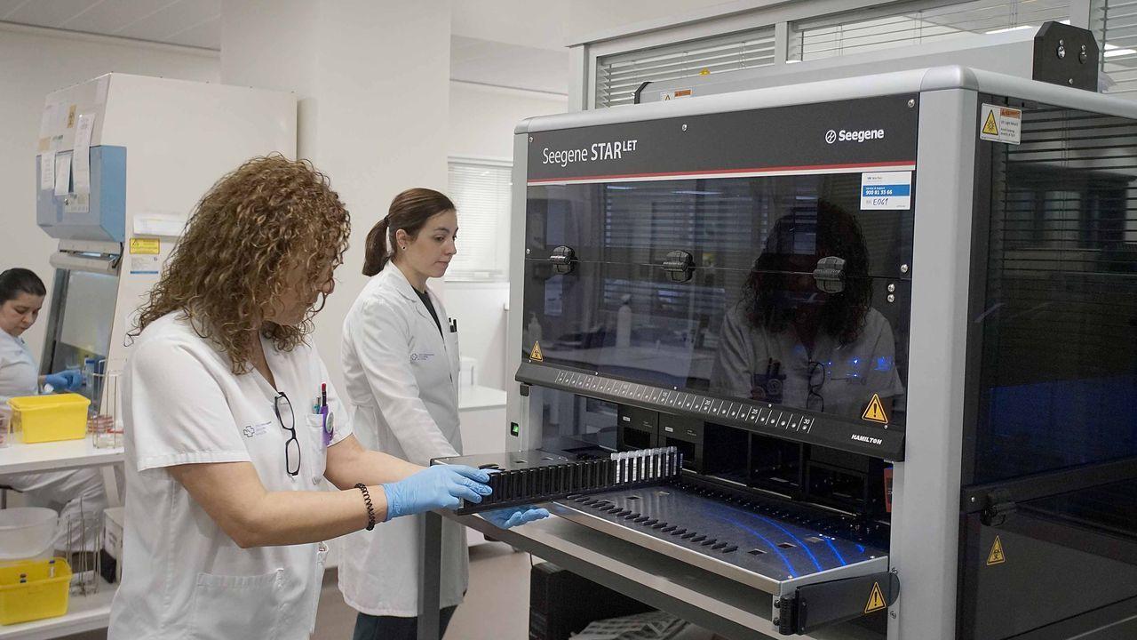 Una máquina de microbiología del Meixoeiro, en imagen de archivo