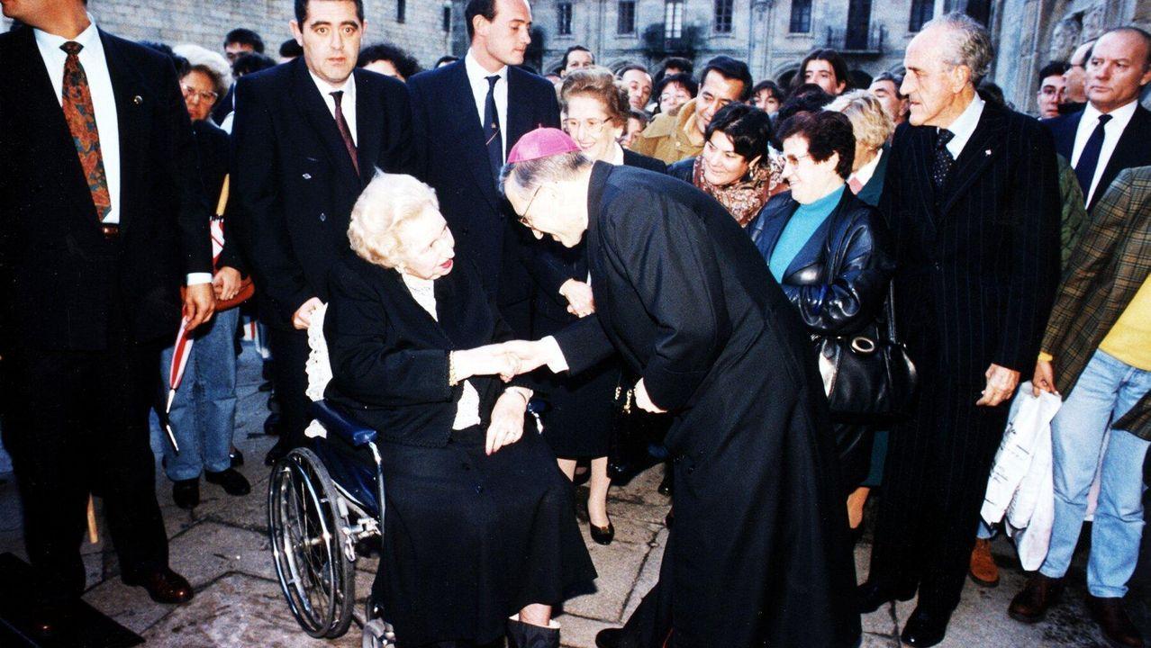 Sigue en directo el actodel Día de la Fiesta Nacional.Felipe VI y la reina Letizia durante su visita a Santiago el pasado 25 de julio
