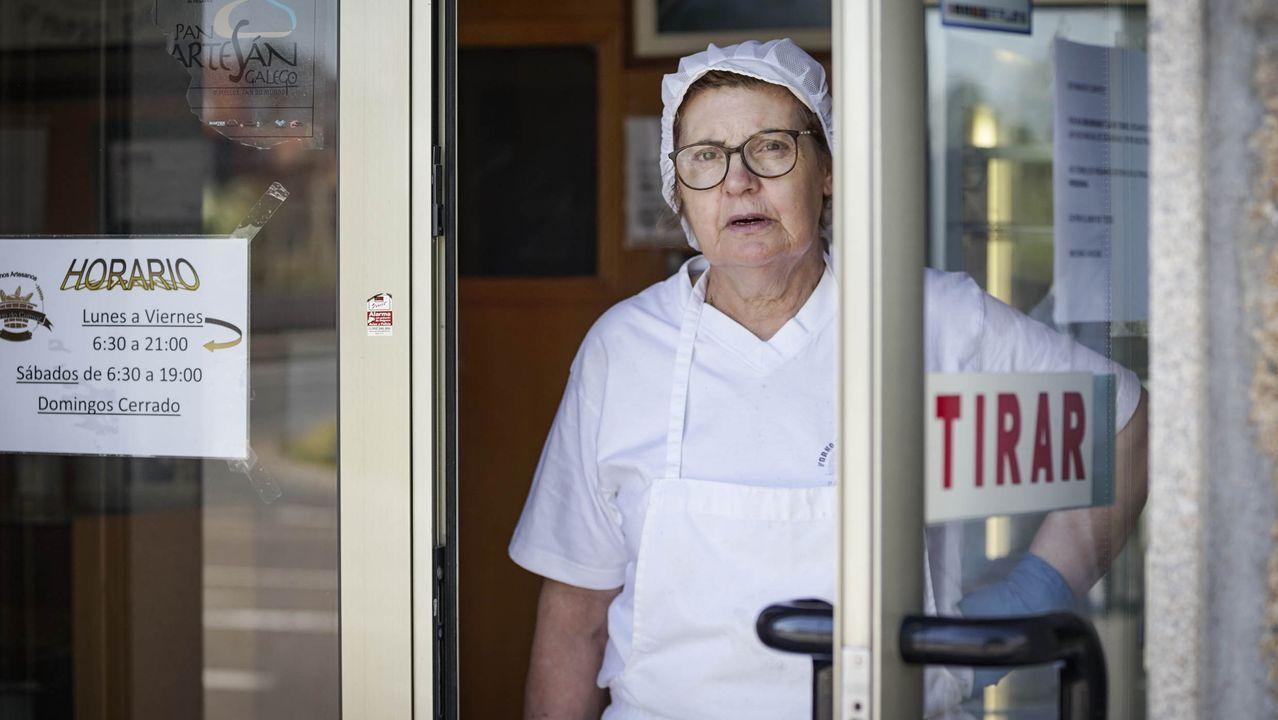 Manuela Grande, propietaria de la panadería O Forno do Cumial