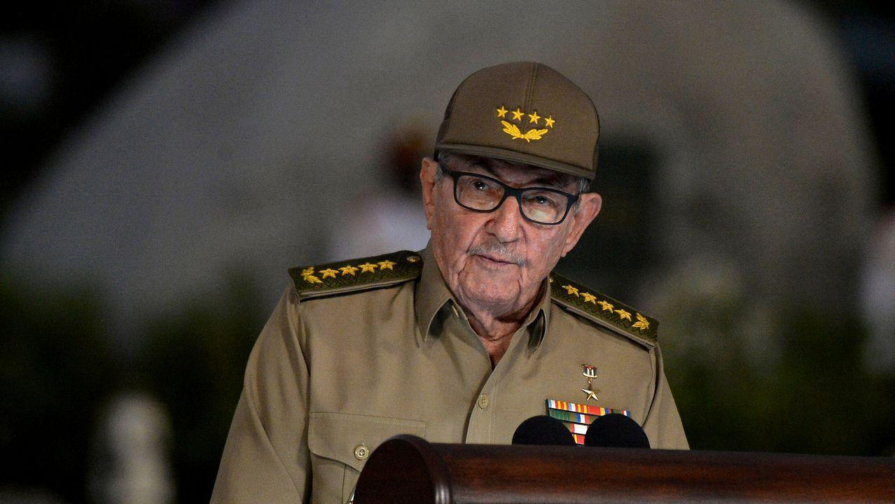 El objetivo de Coll palpa, sin inmiscuirse, la calle de La Habana, la vida cotidiana, la gente, los rostros...