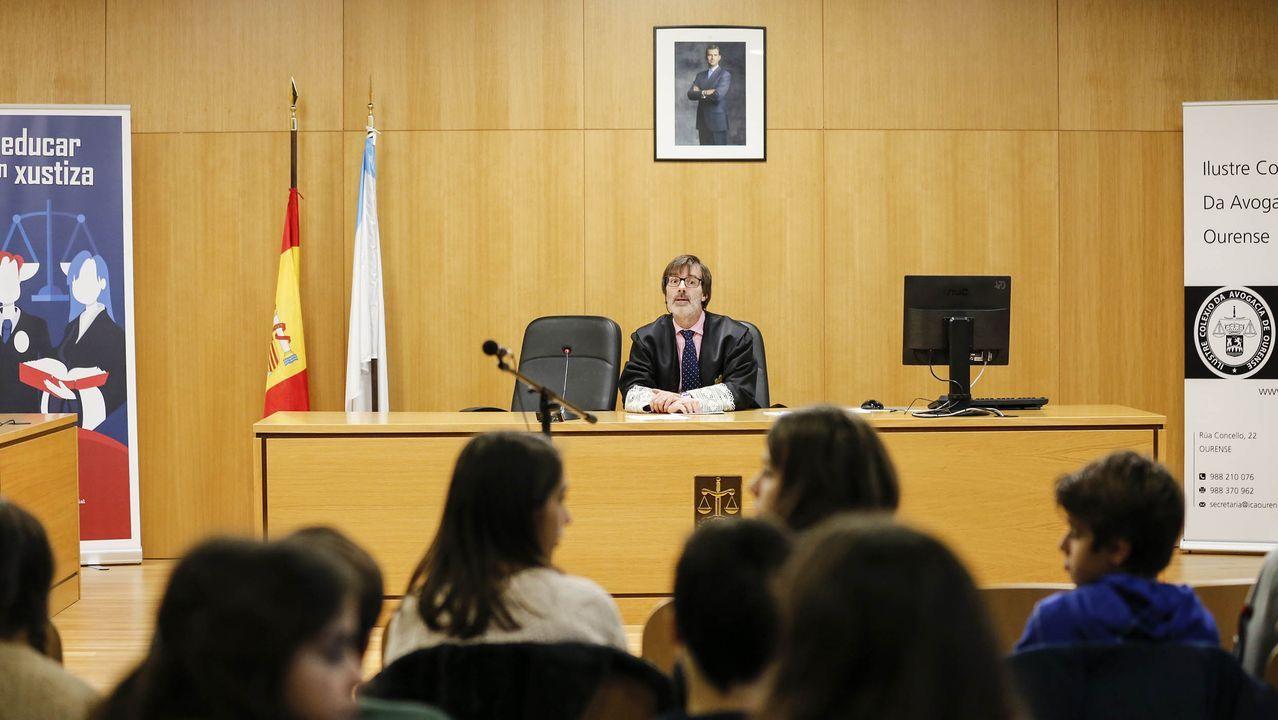 Jordi Serra i Fabra en la Biblioteca La granja de Oviedo