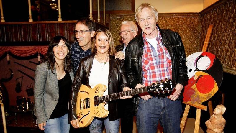 «Early Days», de Paul McCartney .The Quarrymen y Julia Baird lideran el concierto.