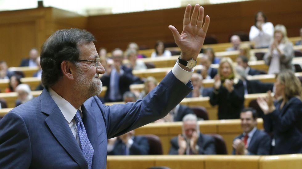 Joan Tardá y Celia Villalobos acaban a gritos en plena sesión de control al Gobierno.Mariano Rajoy, en la sesión de control al Gobierno