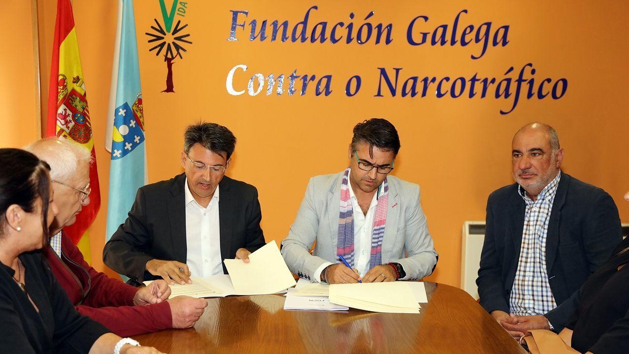 Crimen machista en Valga.Rajoy, paseando por la ruta del Umia