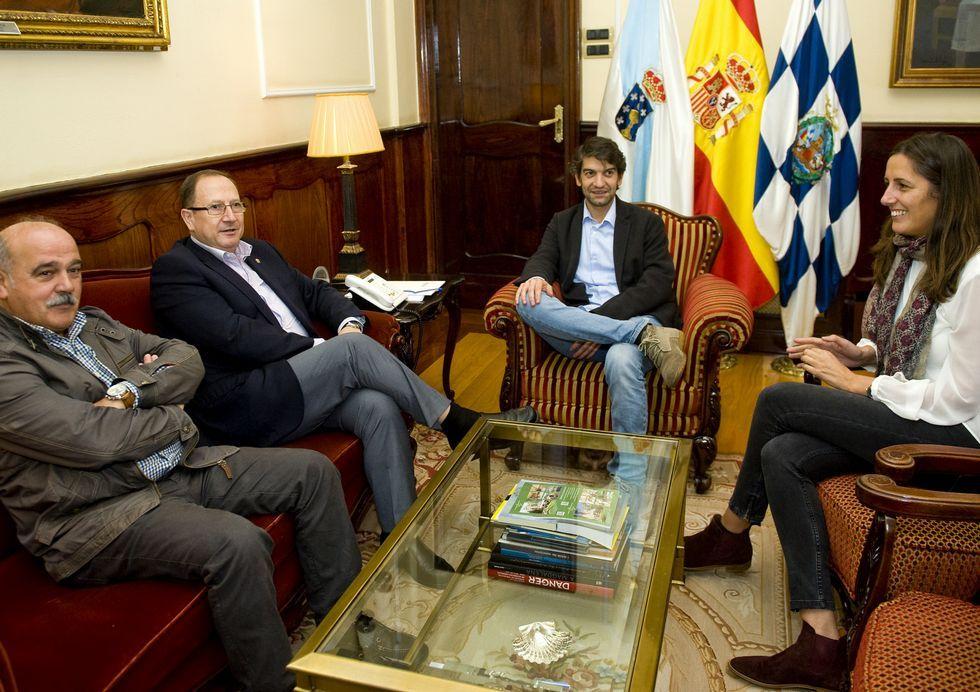 La bola de fuego que cruzó el cielo de Albacete.Ramos, Blanco, Suárez y Fernández Lemos en la reunión de ayer.
