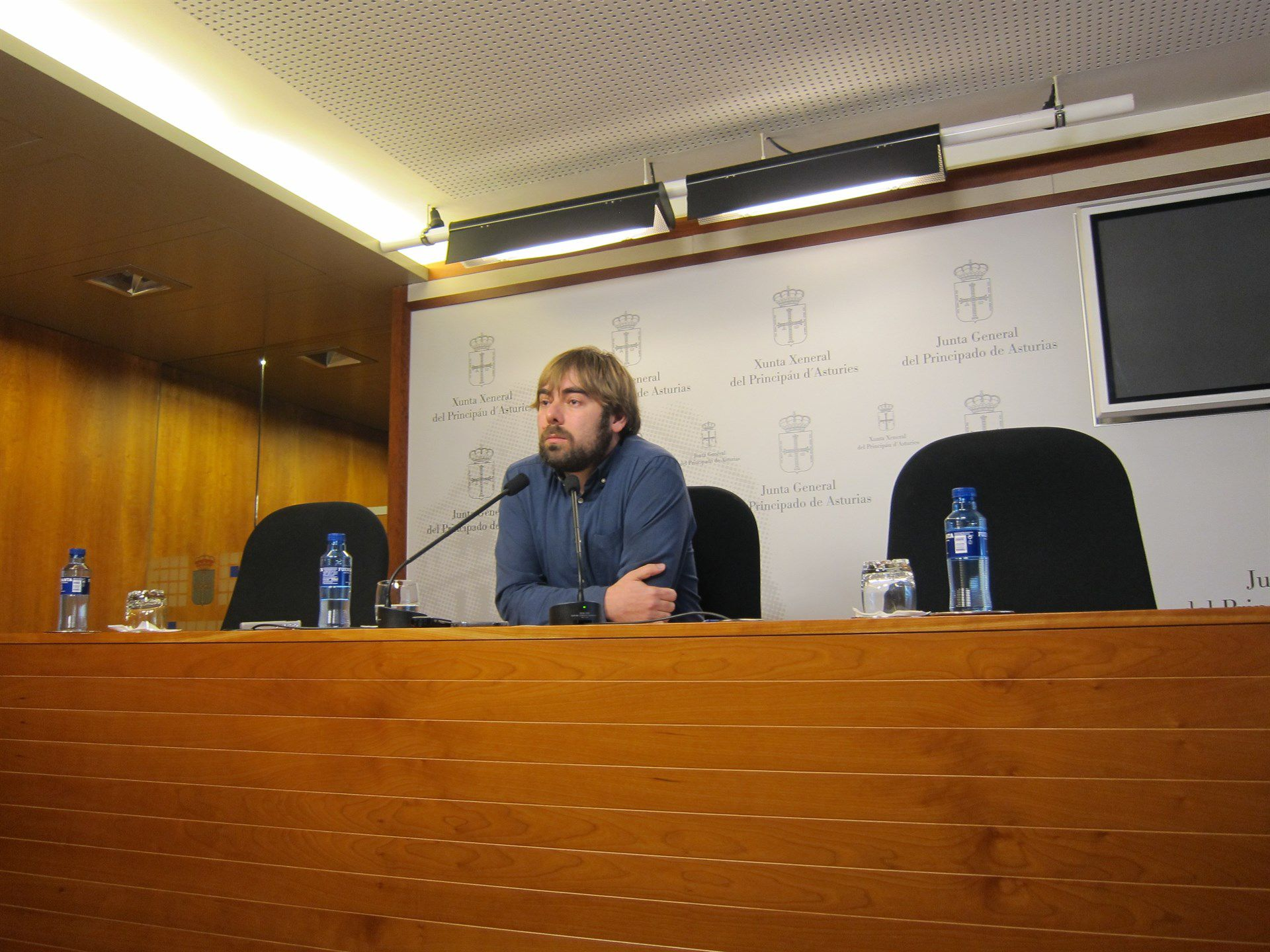 Segundo González, de Podemos, y Francisco Álvarez-Cascos, de Foro Asturias.Daniel Ripa