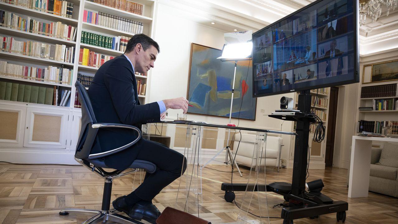 La ministra portavoz, María Jesús Montero, informa de la reunión de Pedro Sánchez con Pablo Casado. Sánchez, durante una videoconferencia con  la líder de Ciudadanos, Inés Arrimadas