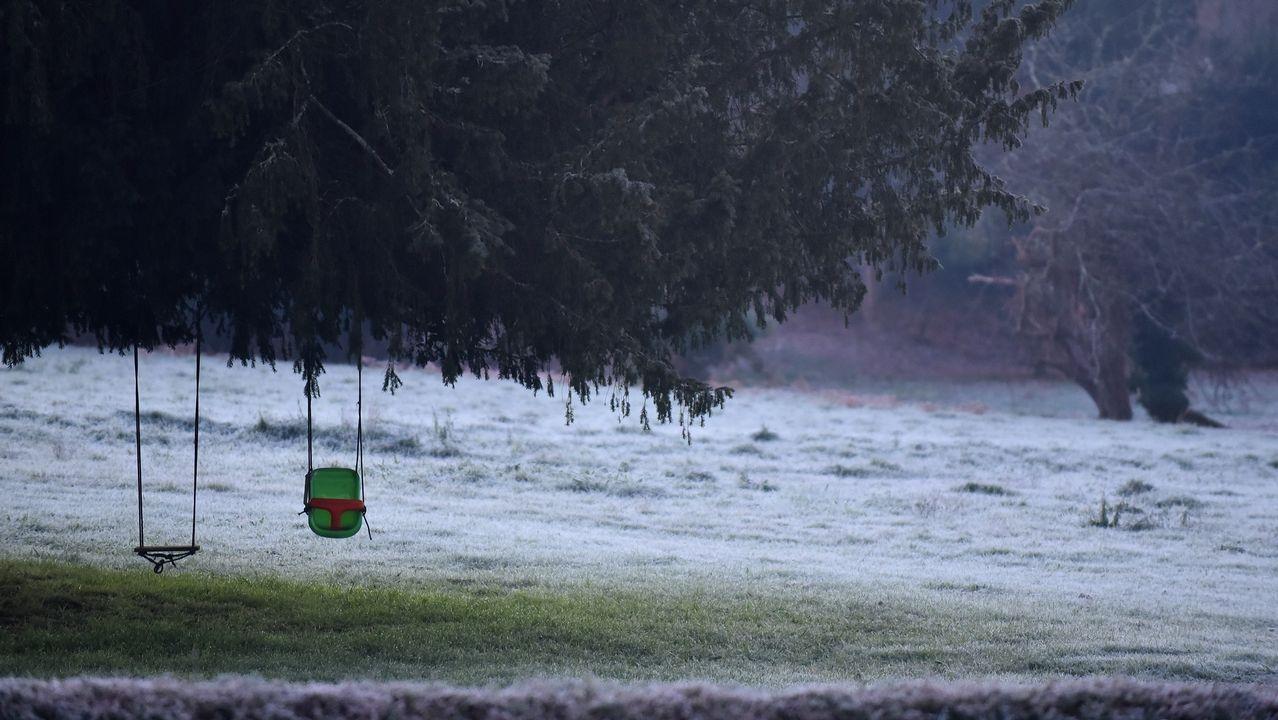 La nieve ya cubre Pajares.FRIO HELADAS EN LA NACIONAL VI ALTURA MIÑO
