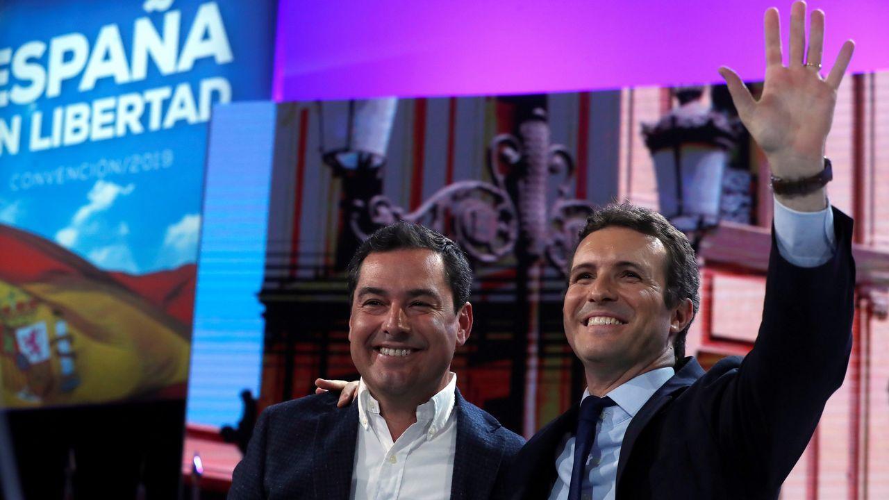 Nicolás Maduro canta «Que viva España».Pablo Casado y Juanma Moreno en la convencio´n del PP