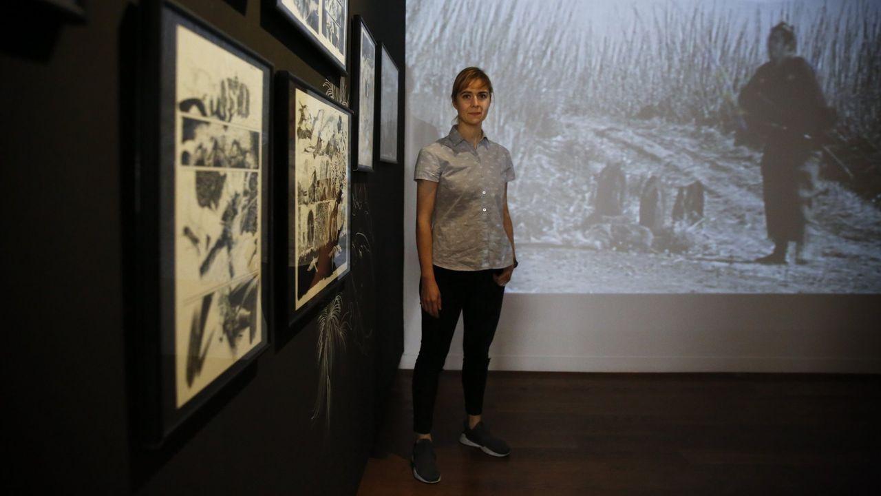 Emma Ríos, en una exposición de su obra en la Fundación Seoane