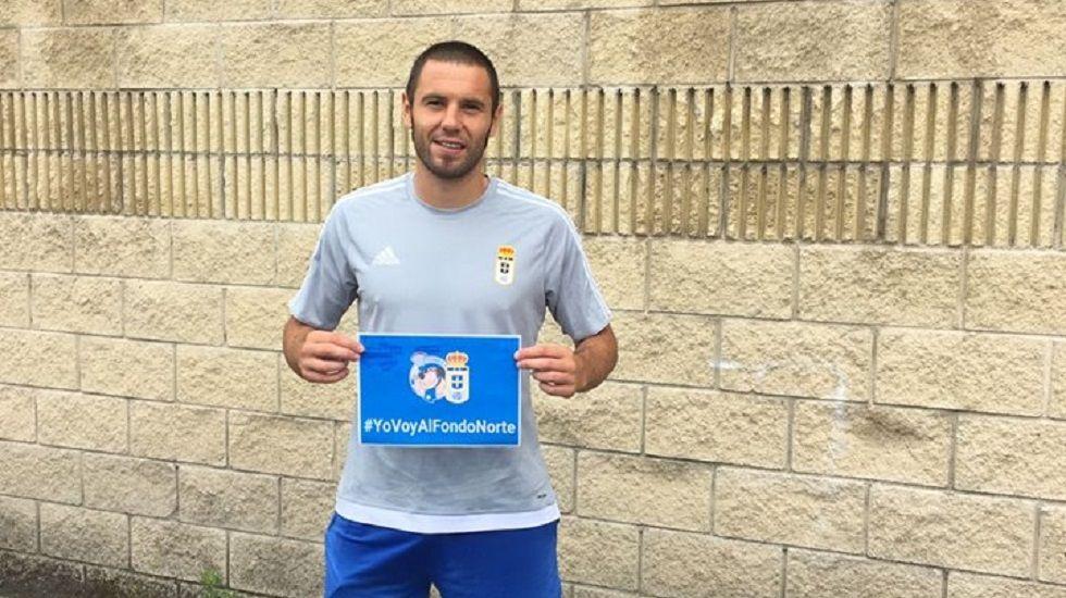 Los jugadores del Oviedo calientan en las instalaciones de El Requexón