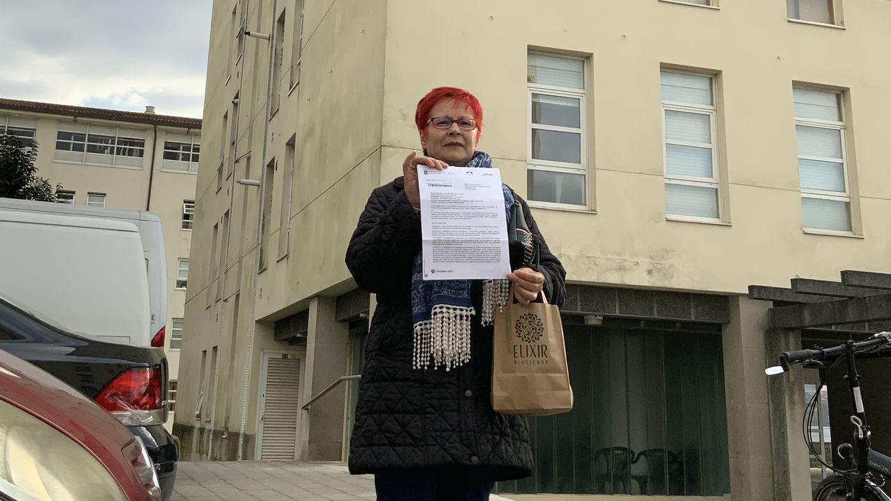 | EFE.Isabel muestra la sanción de la Xunta