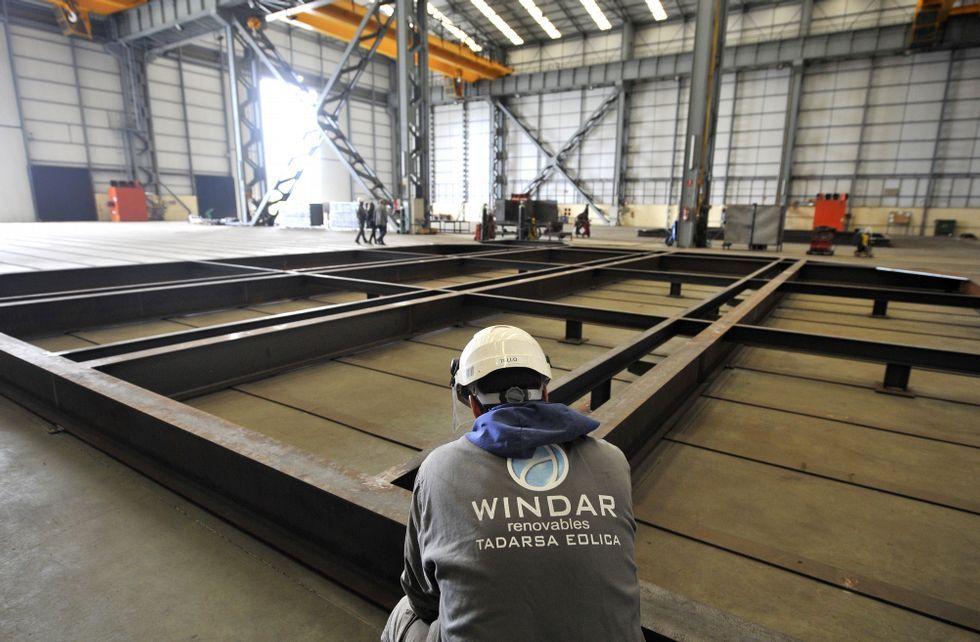 Las camas de acero sobre las que crecerán los componentes ya están listas.